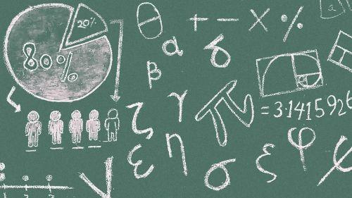 tablica z wzorami matematycznymi